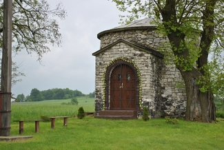 Romańska kaplica w Zrębicach