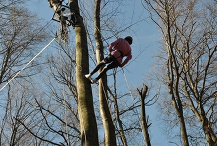 zjazd za pomocą sprzętu alpinistycznego